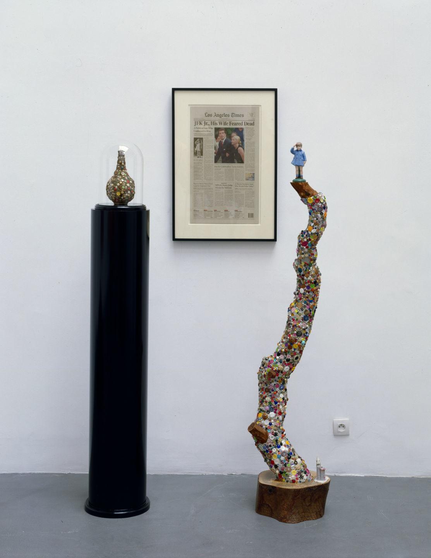 Installation view, Galerie Ghislane Hussenot, Paris, 2000