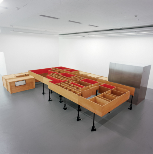 Installation view, Migros Museum, Museum für Gegenwartskunst, 2000.