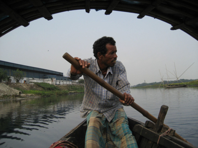 Tuni Chatterji, Okul Nodi (Endless River) (film still), 2012, 16mm film and DV video, 52 minutes. Art © Tuni Chatterji.